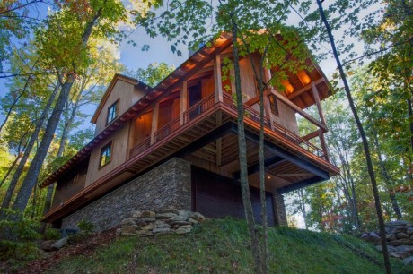 """Katamochi"" by Mackey Mitchell Architects (Photo by Rob Travis)"